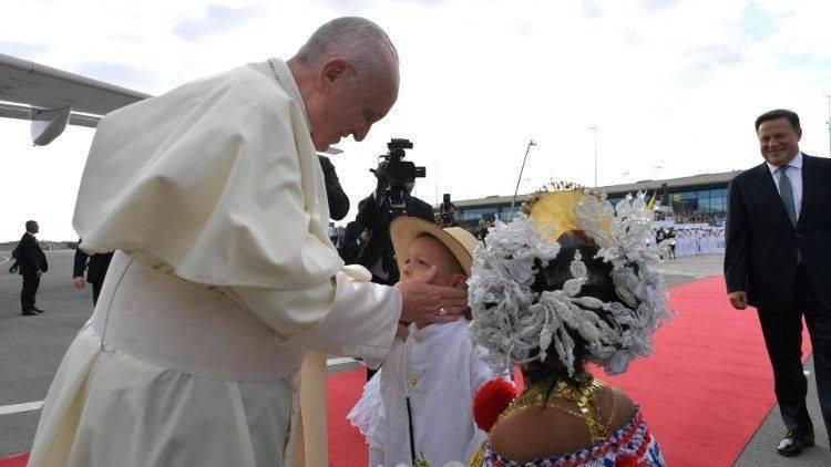 Gmg  Papa Francesco è arrivato a Panama   Chiesa e mondo   Home - Il ... 1eec8bdba5cd